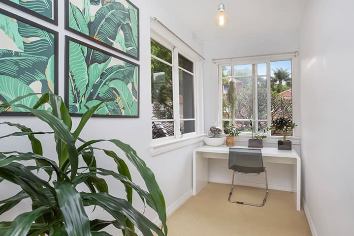 Sunny and bright in Rose Bay - Rose Bay - Apartament