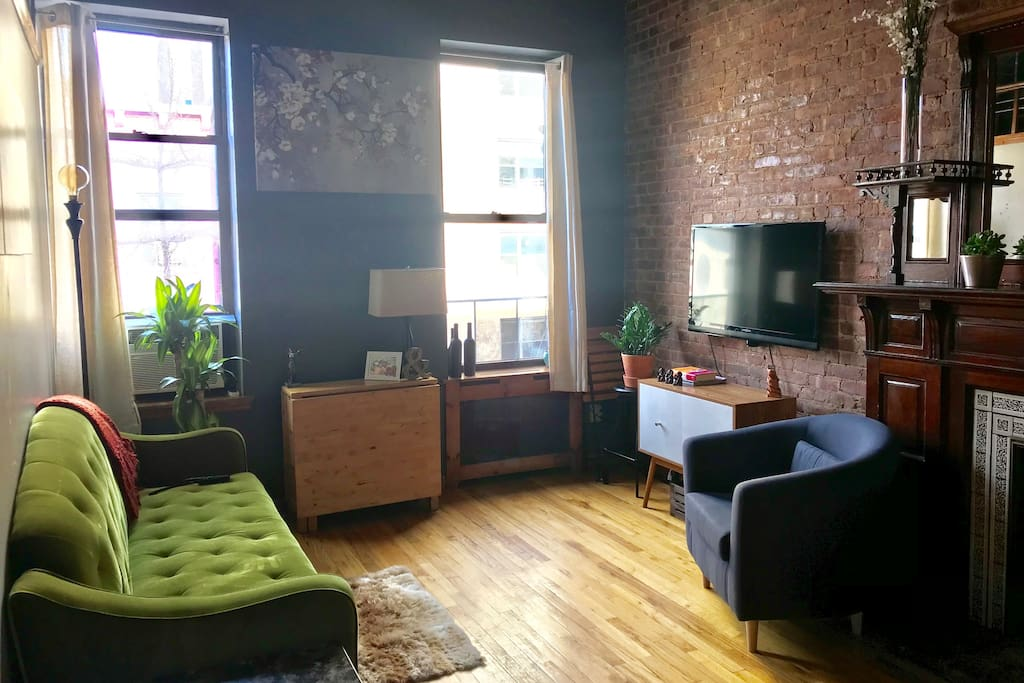 Plant light filled manhattan room w private bath for Rooms for rent in nyc with private bathroom