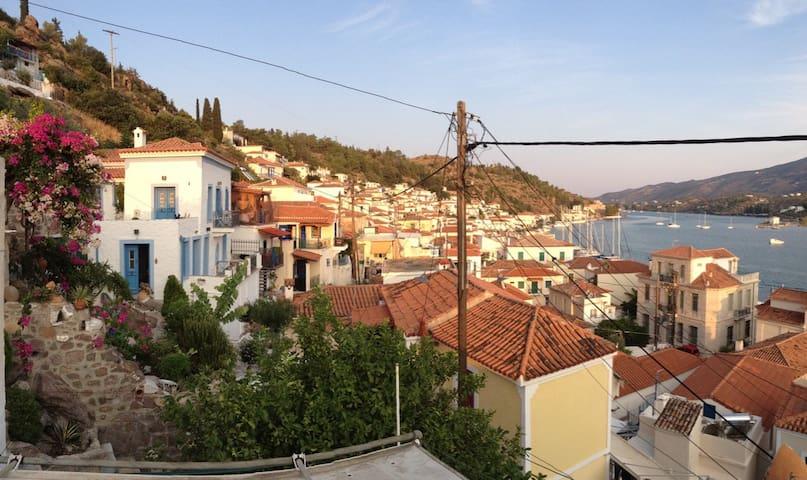 Boutique studio in the heart of Poros - sea view