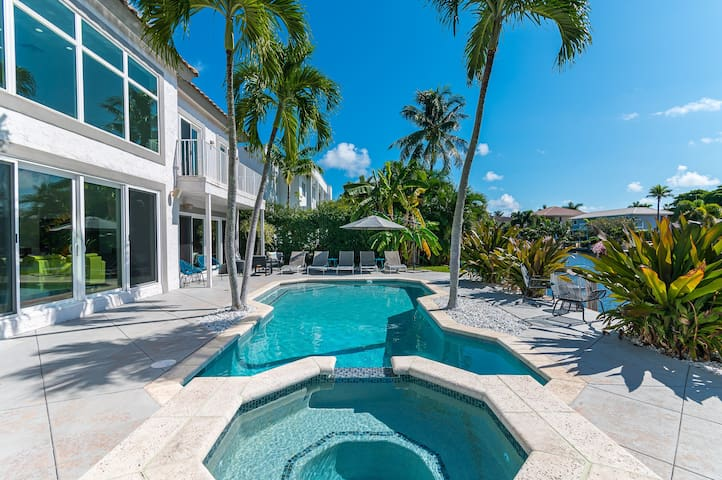 Waterfront Estate Paradise- Lighthouse Point