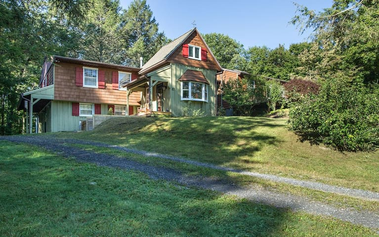 Beautiful country home in the heart of Rhinebeck! - Rhinebeck - Casa