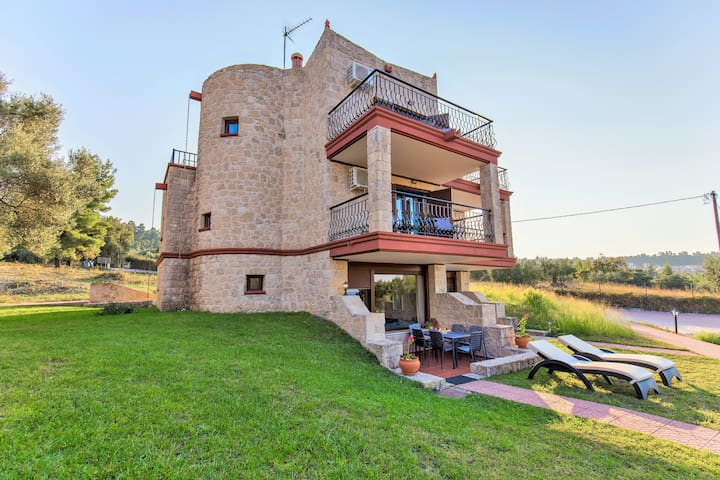 Villa Nature - Stone built - Sea & forest view