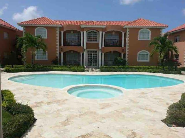 Residencial C & PEL tropical