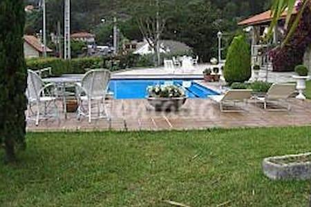 Lujosa villa en 1 línea de playa - Combarro - Villa