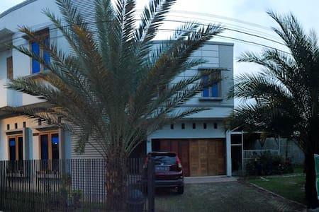 Palm de Kost - Bukit Raya