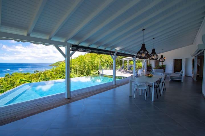 Villa de standing 8 personnes vue mer imprenable
