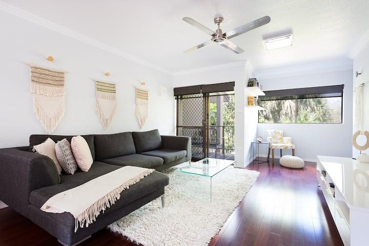 *Luxurious 1 bedroom Townhouse near CBD*
