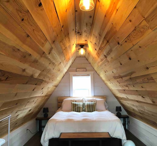Loft with Queen size bed.
