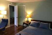 Spacious ,comfortable rooms near beach ,Newport