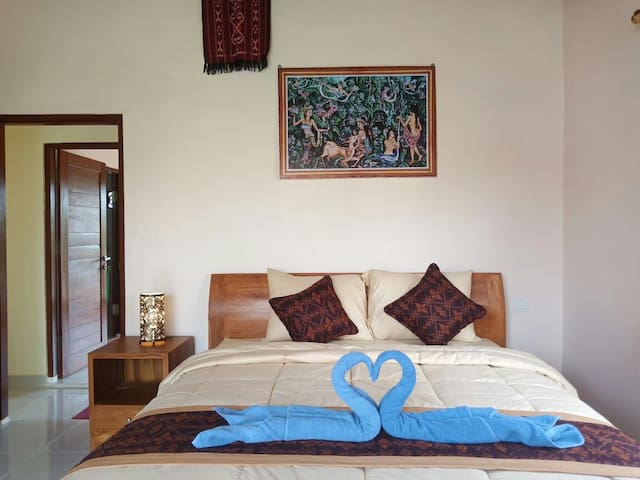 standar rooms with ac warm host family room