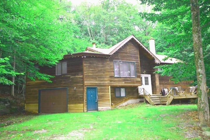 Lake Wallenpaupack dream vacation in Pocono Mtns