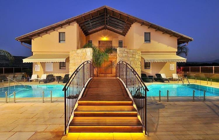 VILA ELISHEVA HOTEL- Amka, West gallile, israel