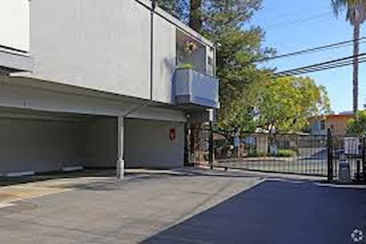whole 1 Bedroom apartment with pool in Concord CA
