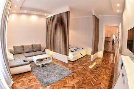 New & Modern CENTRAL Apartment - Novi Sad