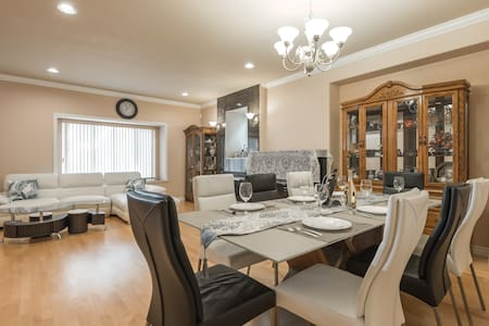 Lovely Home w/ Deep Clean Policy-7min to Metrotown