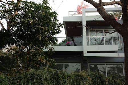 Shah villa - Mumbai - Villa