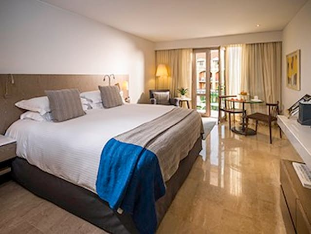 Renovated SUPERIOR ROOM in 19th century monument - Cartagena - Timeshare