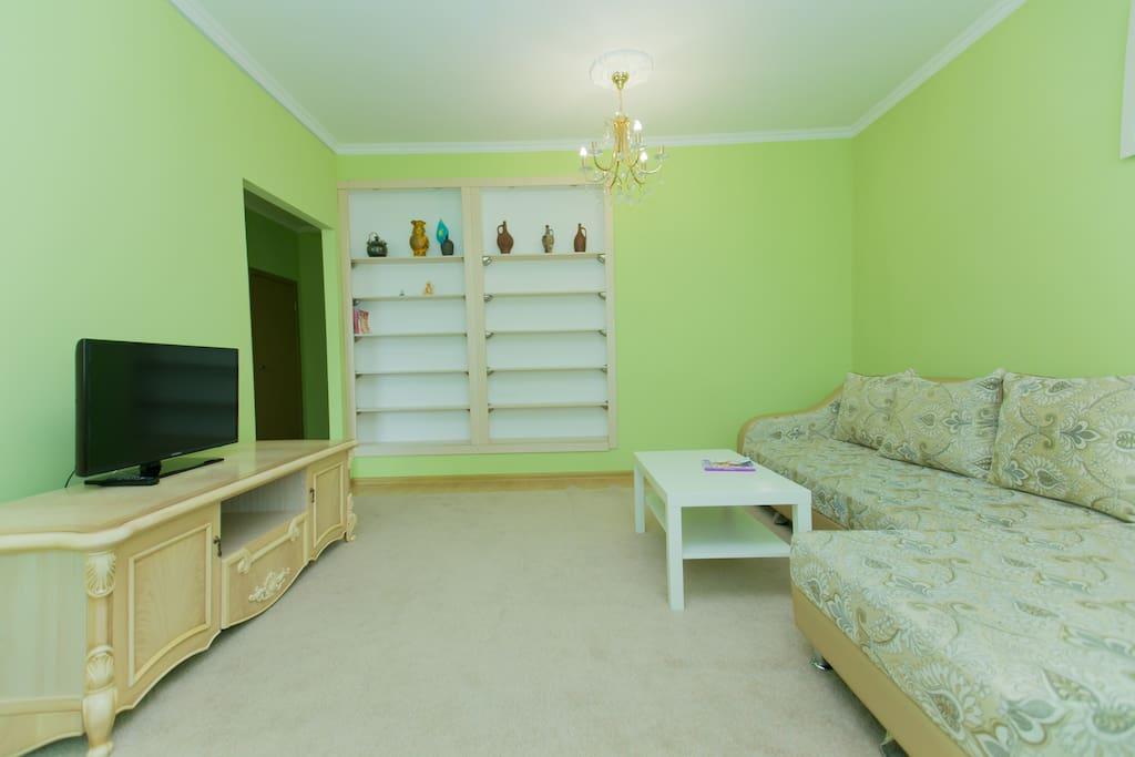 Гостиная, диван раскладной