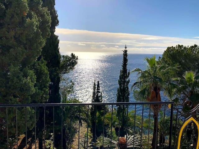 Villa indipendente con piscina e accesso al mare