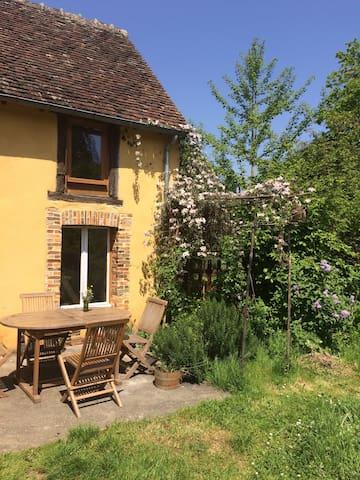 Maison paisible , village nature