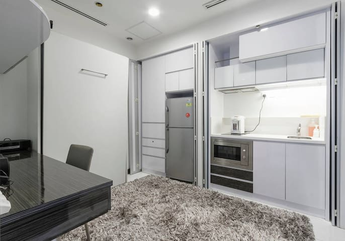 Cosy Compact Studio for Single Traveler Apt A - Singapore - Lejlighed