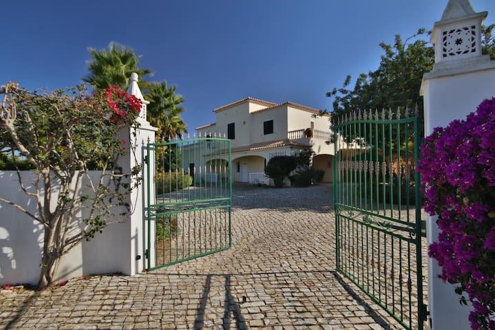 Amazing Villa Albufeira