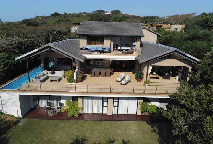 Ballito. 4 bed  Luxury Villa with pool. Simbithi.