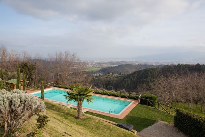 HOLIDAY HOME ON THE HILLS OF LUCCA  PRIVATE POOL - ลูกา - วิลล่า