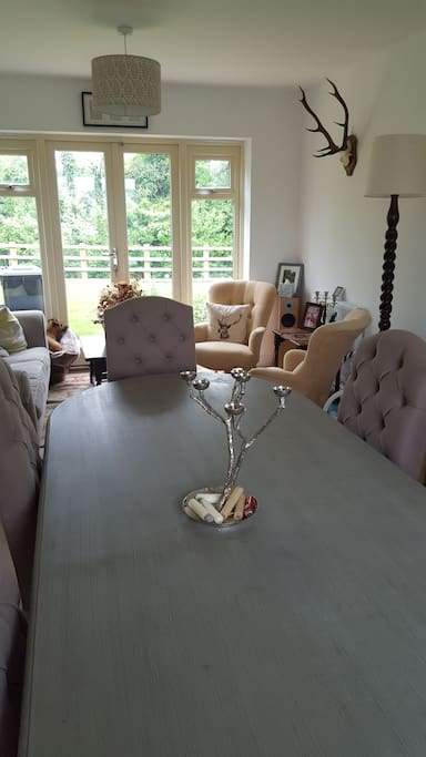 Dining room for 8 with seating area