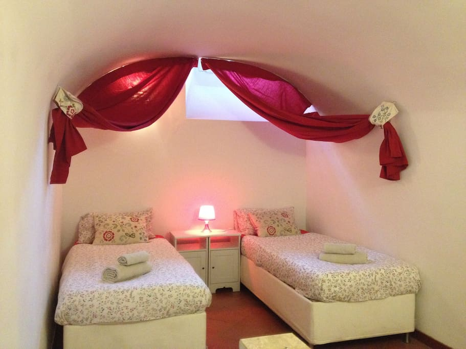the 2 bedroom can be double bed or 2 single beds