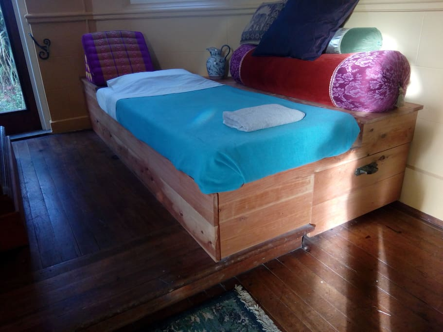 Bed Seacliff For Rent