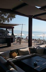 BESSIE'S SEASIDE APARTMENT in CORFU - Corfu