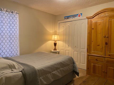 Kameron's: a cozy nook close to many attractions