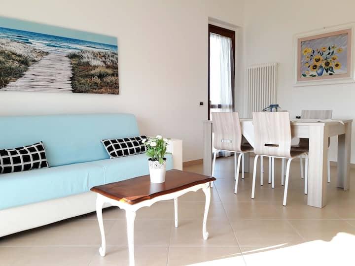 Nuovo appartamento al mare con vista panoramica