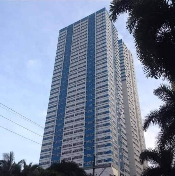 Cozy1br unit near SM MEGAMALL Ortigas