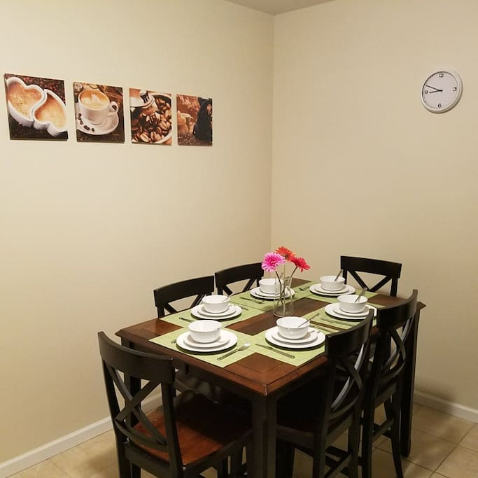 Eat in Dining Table