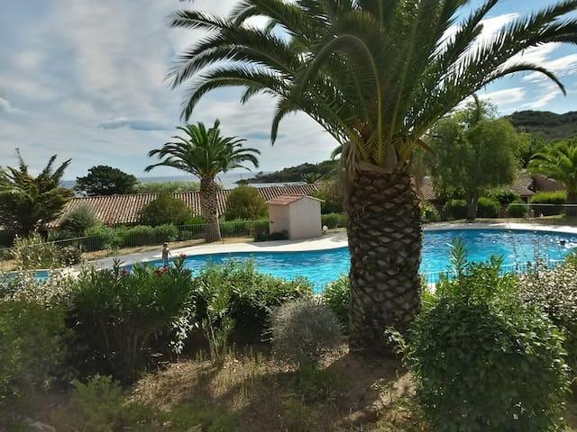 Superbe appartement climatisé vue mer et piscine