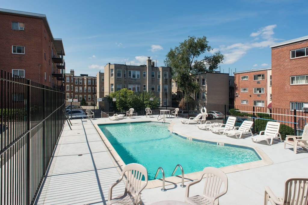 Cozy Patio Pool And Whole Foods Apartments For Rent