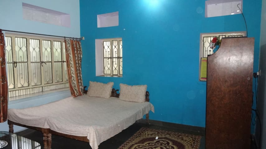 Peaceful stay with an Artist in Samode near Jaipur - Samod - House