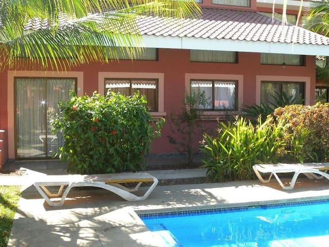 Comfy Loft 5 mins to Beach 2-4 guests - Playas del Coco - Leilighet