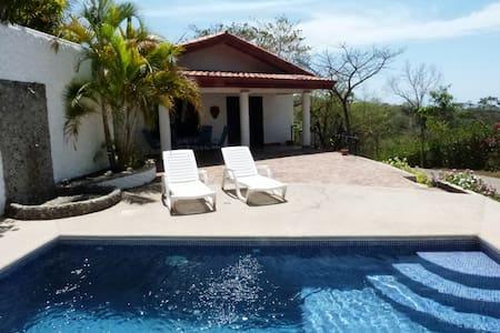 """Miramar"" Infinity Ocean View and Pool Luxury Home - Sámara - 独立屋"