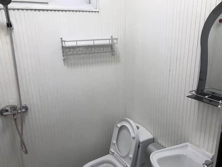 阿克拉食中天酒店MANDARIN CHINESE RESTAURANT LTD
