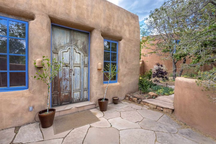 Private Retreat in the Artistic Heart of Santa Fe.