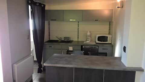 Studio équipé à 5 mn du centre ville d'Angulême.