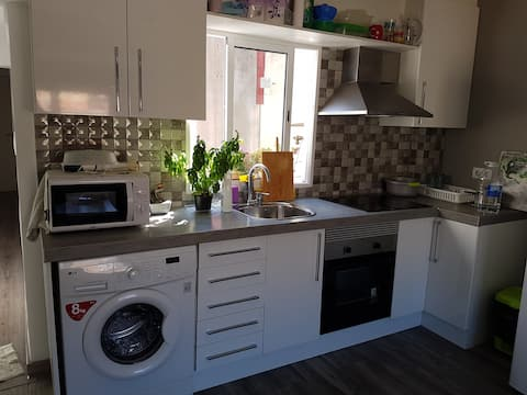 Single room in shared flat 100% refurbished 2015