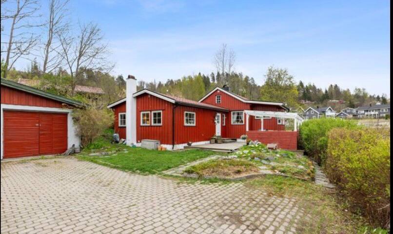 Saltkråkan, nær sjøen, Tusenfryd og NMBU i Ås.