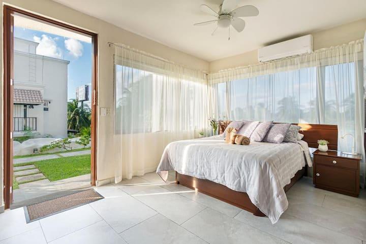 Private Studio at heart of Hotel Zone in Cancun