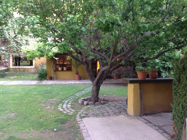 Casa de campo, Los caminos del vino - Lujan de cuyo - Hus