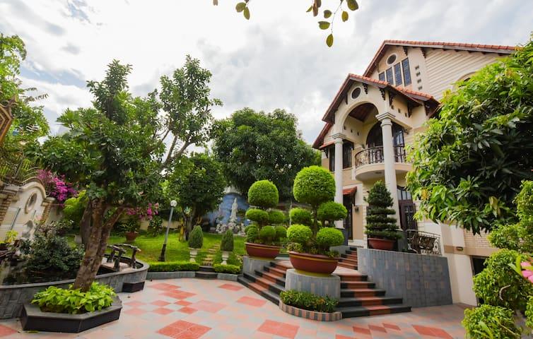 Beautiful Pool Villa @ PERFECT LOCATION - An Hải Bắc - Villa