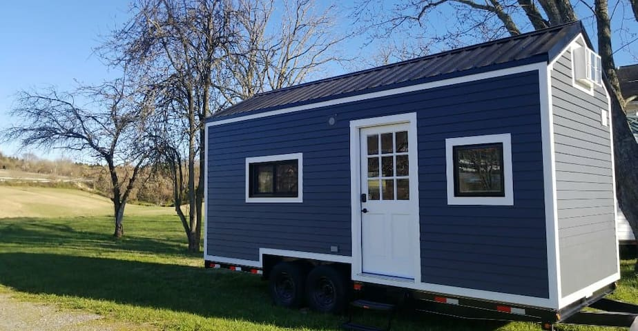 Clay Tiny House At Raccoon Lake!